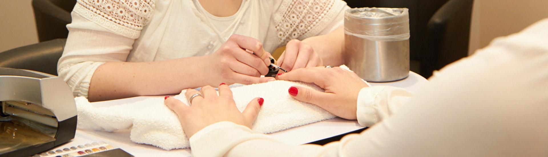 slide-manicure